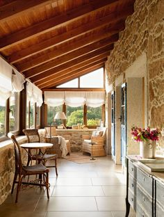 Rustic stone on wall to add flair to covered patio House With Porch, Cozy House, Mobile Home Porch, Stone Interior, Stone Houses, Design Case, Rustic Interiors, Exterior Design, Exterior Paint