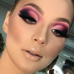 Are you looking for ideas for your Halloween make-up? Browse around this site for perfect Halloween makeup looks. Makeup Eye Looks, Eye Makeup Art, Halloween Makeup Looks, Eye Makeup Tips, Glam Makeup, Makeup Goals, Eyeshadow Makeup, Beauty Makeup, Eyeshadows