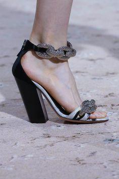 Giambattista Valli Ready To Wear Spring Summer 2015 Paris - NOWFASHION