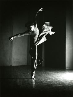 "bodyalive: "" Barbara Morgan - Charles Weidman,""Lynchtown"" (Bea Seckler Solo), 1938 * Many have gone mad looking for a solid center, but there is none. We think of centering as only a continual narrowing of focus until we touch the. Modern Dance, Contemporary Dance, Grete Stern, Diane Arbus, Shall We Dance, Lets Dance, Royal Ballet, Dance Art, Ballet Dance"