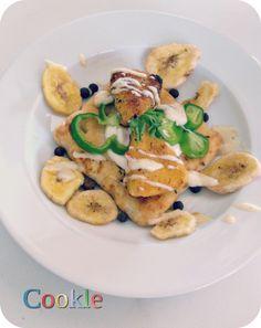 Τρίγωνα τυράκια πανέ σε φρυγανιά και μπανάνα! | La Vache Qui Rit breadcrumbs-banana coated cheese!  Cookle it My Recipes, Meat, Chicken, Food, Cow, Essen, Meals, Yemek, Eten