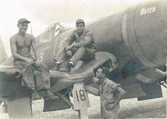 Lt. Tom McDonald (center)