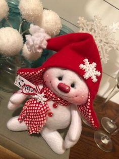 Sewing Teddy Bear Primitive HC Raggedy Snowman Snowflake Christmas Doll So Cute! Christmas Gnome, Christmas Sewing, Christmas Projects, Holiday Crafts, Easy Sewing Projects, Sewing Crafts, Craft Projects, Sock Snowman, Snowman Crafts