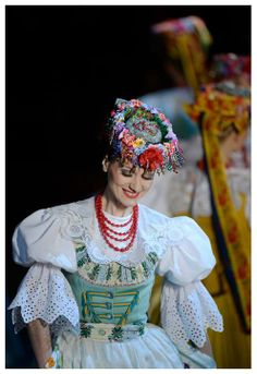 "Bytom folk costume - Zespół Pieśni i Tańca ""Śląsk"", Poland Traditional Fashion, Traditional Dresses, Polish Clothing, Polish People, Polish Folk Art, Costumes Around The World, Beautiful Costumes, Character Costumes, Folk Costume"
