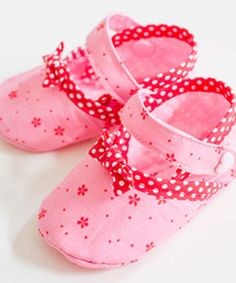 Environmentally Friendly Gifts, Mary Janes, Gifts For Friends, Baby Shoes, Slippers, Kids, Blog, Products, Fashion