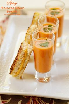 Spicy Tomato Soup Shots with Mini Grilled Cheese Sandwiches - A healthy and tasty party and holiday appetizer infused with LATIN flavors. Super easy and quick to make! Soup Appetizers, Holiday Appetizers, Appetizer Recipes, Appetizer Dinner, Mini Grilled Cheeses, Diy Wedding Food, Wedding Catering, Progressive Dinner, Cheese Party