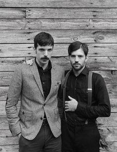 the-avett-brothers-in-garden-and-gun-magazine-by-david-mcclister-2.jpg (371×480)