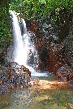 HERMOSAS CASCADAS, Se Encuentran En El Parque Nacional Cerro Azul Meambar,…