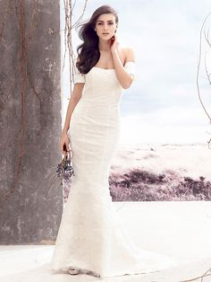 Lanting Bride® Trumpet / Mermaid Wedding Dress Court Train Off-the-shoulder Lace with Lace - USD $249.99