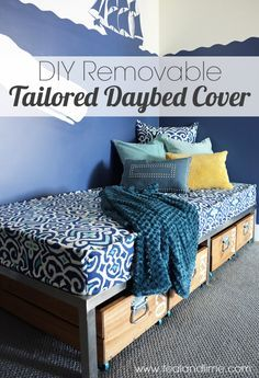 DIY Removable Tailored Daybed Cover - awesome and easy tutorial! ~ good idea for regular mattress covers, too. Daybed Mattress, Diy Daybed, Twin Bed Couch, Daybed Ideas, Daybed Bedding, Boho Bedding, Modern Bedding, Grey Bedding, Daybed Covers