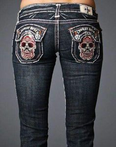 Cute skull jeans but obviously made for a person with no bootie