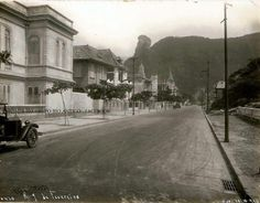 Rua Nove de Fevereiro - 1928 Na foto, vemos a Rua Nove de Fevereiro, atual Rua República do Peru, em Copacabana. Foto de Augusto Malta.