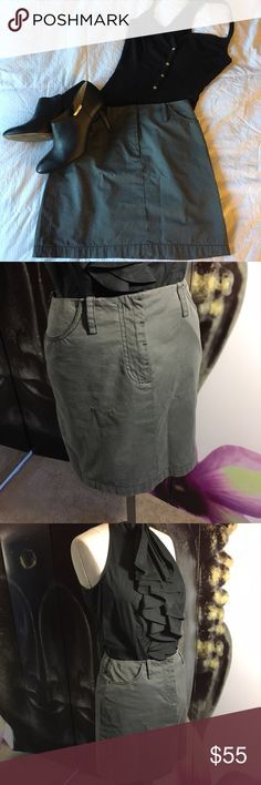 """Armani Exchange Sharkskin Gray Mini Skirt Comfortable gray mini skirt you can easily pair with various blouses. Two pockets in the front and one side pocket. Very smart and stylish looking skirt.   Measurements are approximate.  Laying flat:  Hips: 16""""  Length: 16"""" Fabric: Cotton, Polyester, Nylon Armani Exchange Skirts Mini"""