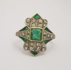 Colombian Emerald & Diamond Ring, Mounted In 18k Yellow Gold   c.1940's  -  Grays Antiques