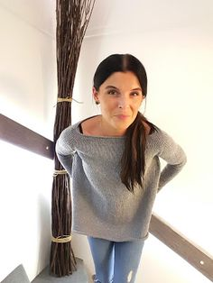 Elengiina: Ylhäältä alas neulottu paita + Helppo ohje Handicraft, Diy And Crafts, Knit Crochet, Wool, Knitting, How To Make, Handmade, Jumpers, Tutorials
