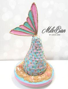 Fondant Figures, Fondant Cakes, Cupcake Cakes, Fondant Bow, Marshmallow Fondant, Fondant Tutorial, Fondant Flowers, Mermaid Tail Cake, Mermaid Cupcakes