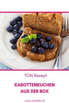 Ein saftiger Karottenkuchen aus der Box. Super einfaches und schnelles Rezept. Die Ernährung nach den 5 Elementen der TCM weiß, dass Kuchen kostbare Körpersäfte und Yin aufbaut und tonisiert. Lass es dir schmecken. Snacks, Super, Oatmeal, Breakfast, Recipes, Ayurveda, Food, Desserts, Complete Nutrition