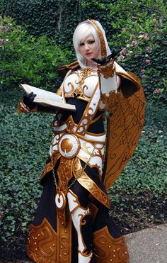World of Warcraft: Priest (Sister Benedron)