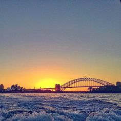 Sunset rides on the harbour sothes the soul. View is pretty good too. Can't say the same about the chill in the air. #sydneyoperahouse #sydneyharbourbridge #sydney #igtravelthursday #skimbaco #sunset #wanderlust #travelgram #instatravel