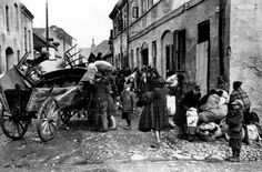 Sieradz, Poland, Deportation of Jews.  Belongs to collection: Yad Vashem Photo Archive  Origin: Ghetto Fighters' House