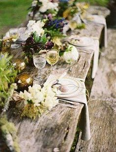 Outdoor picnic tablescape | rustic elegance | Green + white floral decor