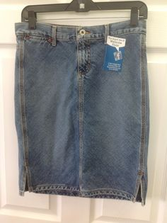 Guess Jean skirt size 27, denim never goes out of style!