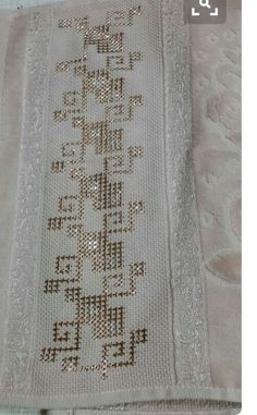 It is a good Cross-Stitch towel example with bright gray. Cross Stitch Bookmarks, Beaded Cross Stitch, Cross Stitch Borders, Cross Stitch Designs, Cross Stitch Embroidery, Embroidery Patterns, Hand Embroidery, Cross Stitch Patterns, Crochet Patterns