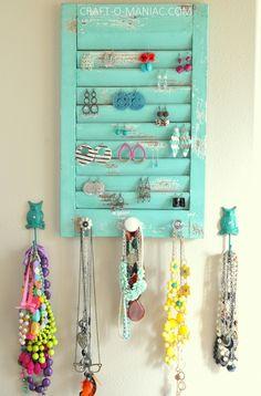 DIY Jewelry Organization Wall. #jewelryorganization