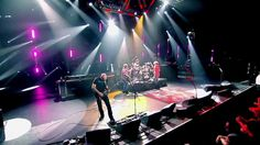 Chickenfoot - Get Your Buzz On Live (2010 )  im not sure what i just watched, or how i feel about it