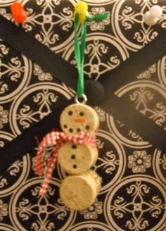 super cute! snowman cork ornament