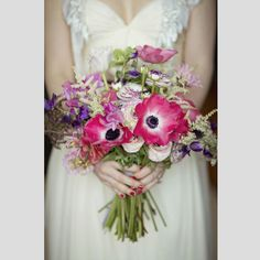Bouquets de noiva cor-de-rosa para noivas românticas. #casamento #bouquet #rosa