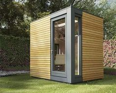 There are excellent garden office pods which are the perfect solution for a small garden. A mini office can be easily installed in a suitable space Outdoor Office, Backyard Office, Backyard Studio, Outdoor Living, Shed Office, Office Pods, Office Spaces, Small Garden Office Pod, Work Spaces