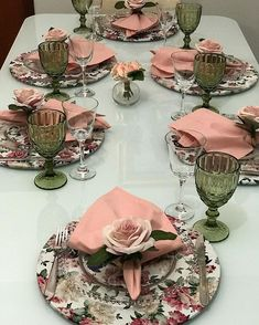 Pink Table Settings, Beautiful Table Settings, Table Rose, Vase Deco, Serving Table, Deco Table, Decoration Table, Napkins Set, Dinner Table
