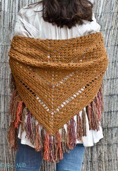 feito à mão em crochet  Fio de lã de merino + acrílico  60