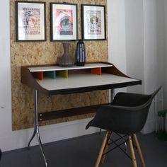 We love, love, LOVE the new replica Swag desk.