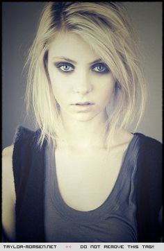 Taylor Momsen - one of my favourite pics of her