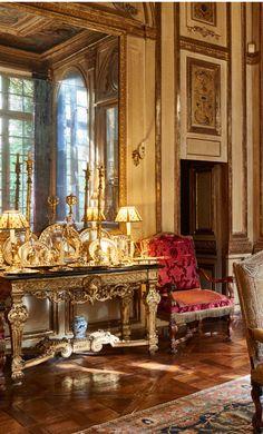 - interiors on Quentin Moyse English Interior, Antique Interior, Classic Interior, Luxury Interior Design, Interior Decorating, French Decor, French Country Decorating, Vintage Interiors, French Interiors