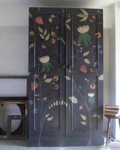 Door Furniture, Chalk Paint Furniture, Hand Painted Furniture, Upholstered Furniture, Painted Wardrobe, Do It Yourself Decorating, Gray Chalk Paint, Annie Sloan Paints, William Morris