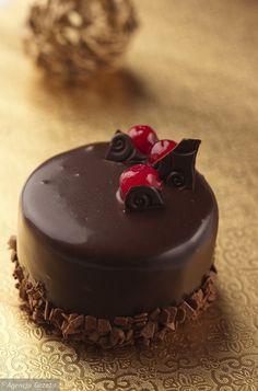 Cake Recipes, Dessert Recipes, Desserts, Easy Cake Decorating, Food Cakes, Mini Cakes, Creative Food, Afternoon Tea, Strudel