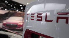 A Tesla está usando as baterias de íons de lítio para ser líder do mercado de armazenagem de eletricidade, o que pode ameaçar a rede elétrica tradicional