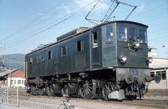 Railroad Pictures, Swiss Railways, Train Art, Electric Train, Oil Rig, Electric Locomotive, Model Trains, Travel Style, Diesel