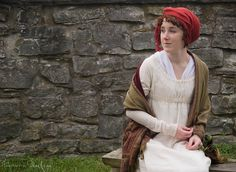 How to tie a turban. American Duchess:Historical Costuming: How to Tie a Regency Turban Regency Dress, Regency Era, Historical Costume, Historical Clothing, Jane Austen, Tie A Turban, Tableaux Vivants, 18th Century Clothing, Period Outfit
