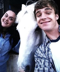 Nico Mirallegro, Sharon Rooney and Eddie the horse (My Mad Fat Diary) Sharon Rooney, Nico Mirallegro, Tv Show Quotes, Dear Diary, Photo Series, Dylan O'brien, Dream Guy, Celebs, Celebrities