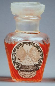 Perfume Store, Perfume Bottles, Parfum Guerlain, Perfumes Vintage, Smell Good, Fragrance, Container, Pretty, Accessories