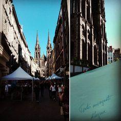 La bonne nouvelle du jour se trouve dans une petite pochette en papier au pied de la cathédrale ! :D #contesetlegendes #contesauvergnats #mercimaconteuse #clermontferrand #soleil #aupieddelacathedrale #projet  #cabouge #Auvergne #myauvergne