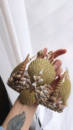 Gold Mermaid Crown by Wild & Free Jewelry Mermaid Crafts, Mermaid Diy, Mermaid Tails, Diy Mermaid Costume, Siren Costume, Mermaid Outfit, Seashell Art, Seashell Crafts, Beach Crafts