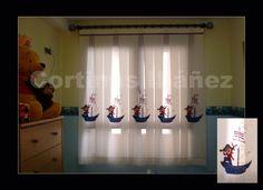 Visillo infantil confeccion tablas y montado en barra de madera color y terminales de resina. — en Burjasot.