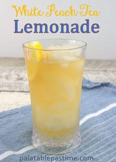 Homemade version of the white peach tea lemonade from Chick-fil-a. Frozen Lemonade Recipes, Homemade Lemonade, Fancy Drinks, Yummy Drinks, Refreshing Drinks, Fruit Infused Water, Tea Recipes, Drink Recipes, Kuchen