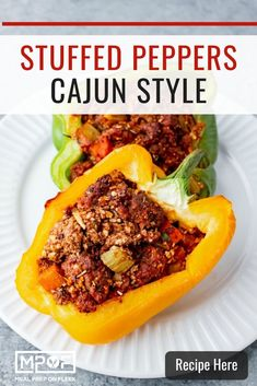 Cajun Stuffed Peppers [Easy To Make] These spicy, Cajun-style stuffed peppers are high protein, high fiber meal with staying power. Paleo compliant and zero added sugars. Get the recipe Paleo Meal Prep, Lunch Meal Prep, Dinner Meal, Lunch Recipes, Paleo Recipes, Dinner Recipes, Paleo Ideas, Easy Stuffed Peppers, High Fiber Foods