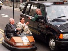Lord Montagu with former Formula 1 world champion Nigel Mansell during a campaign to promote road safety National Championship, World Championship, Nigel Mansell, Indy Cars, British History, Formula One, First World, Baby Strollers, Lord